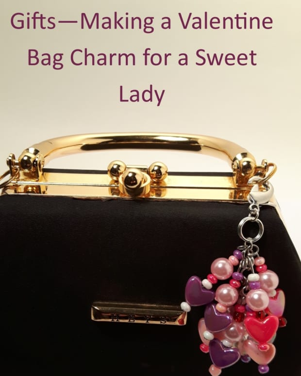 handmade-valentine-gifts-making-a-valentine-bag-charm-for-a-sweet-woman