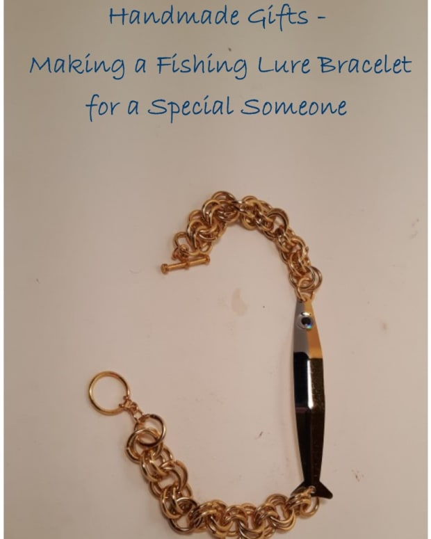 handmade-gifts-making-a-fishing-lure-bracelet-for-a-special-someone