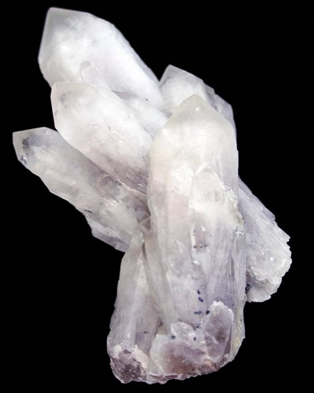 seven-healing-crystals-for-love-and-relationships