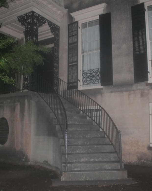 the-most-haunted-house-in-savannah-georgia