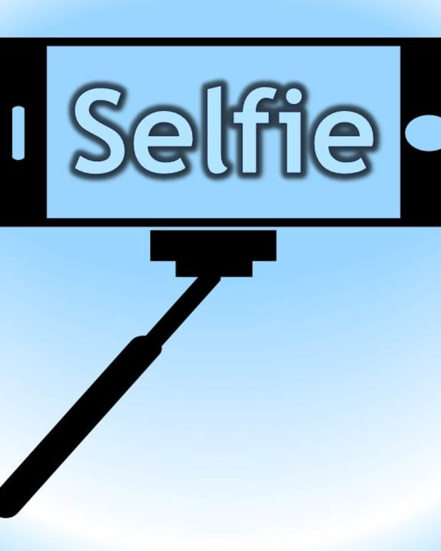 selfie-short-history-and-background