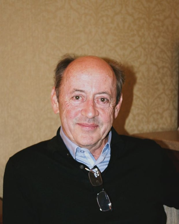 analysis-of-poem-man-listening-to-disc-by-billy-collins