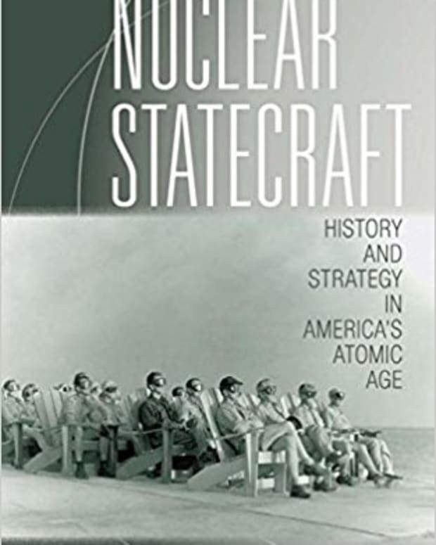 review-nuclear-statecraft-history-and-strategy-in-americas-atomic-age