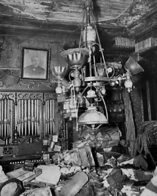 collyer-brothers-new-york-city-hoarders