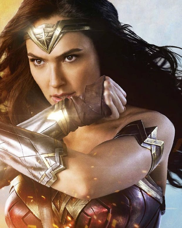 towel-movie-review-wonder-woman-2017