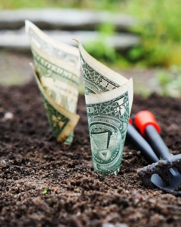 using-natural-and-available-energies-to-save-money