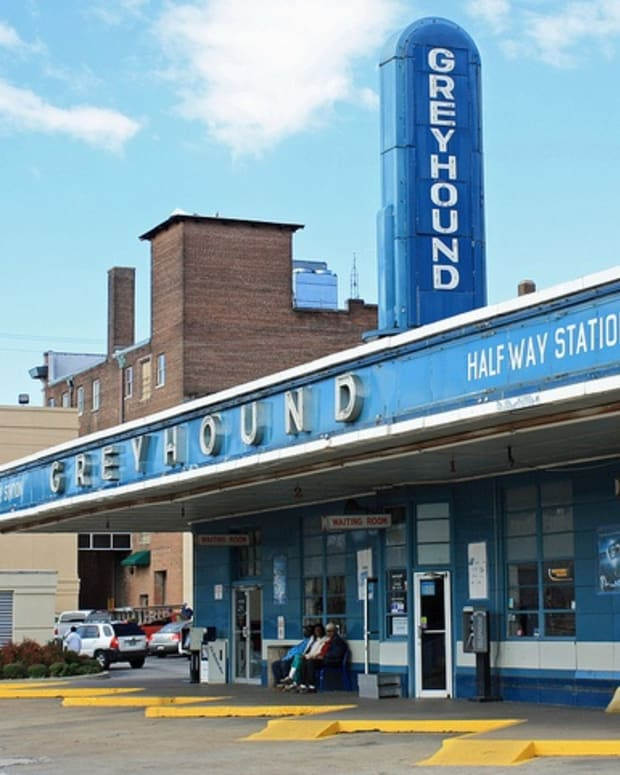 5-things-you-need-to-know-about-greyhound-bus-layovers