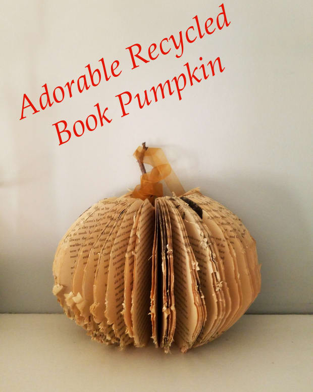 adorable-recycled-book-pumpkin-craft
