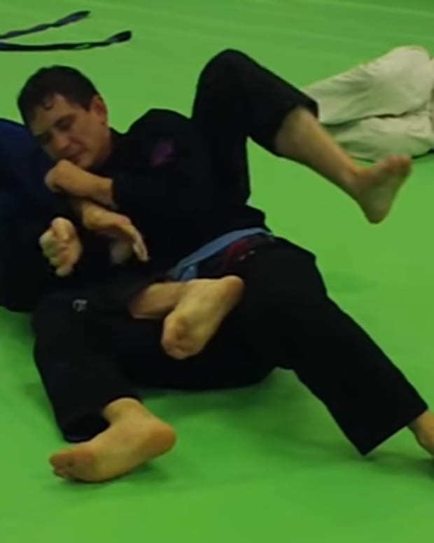 how-to-do-an-armbar-from-the-back-in-bjj