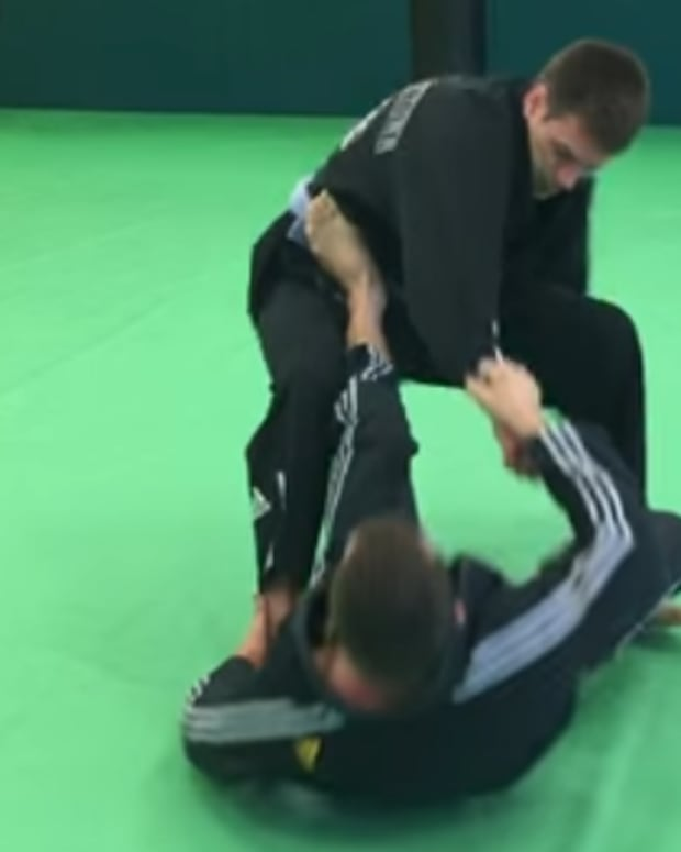 how-to-do-a-tripod-sweep-in-bjj