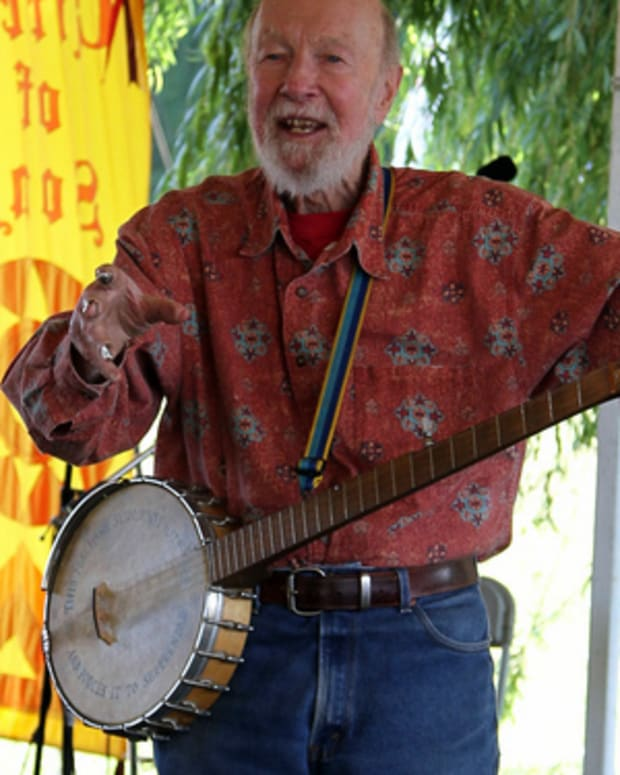 the-song-not-the-singer-the-life-of-pete-seeger