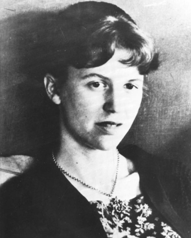 analysis-of-poem-tulips-by-sylvia-plath