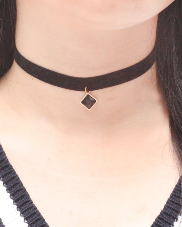 a-short-history-of-the-choker