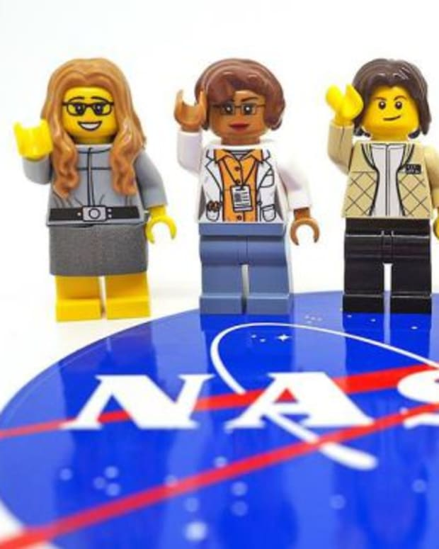 women-of-nasa-legos-a-big-hit