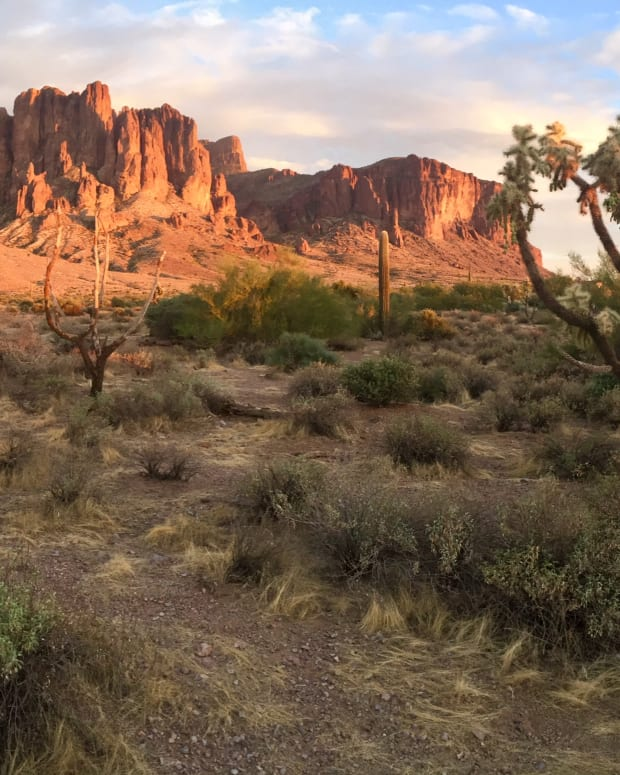 great-hikes-lost-dutchman-state-park-apache-junction-az