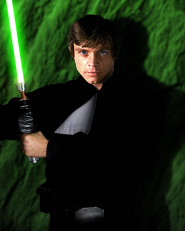 why-luke-skywalker-is-an-amazing-duelist