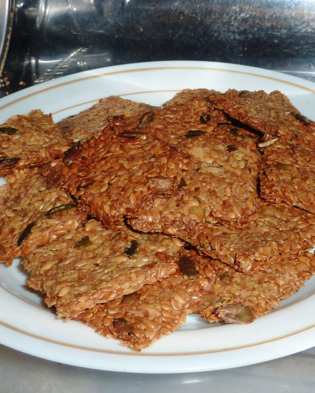 how-to-make-linseed-fenugreek-and-pumpkin-seed-keto-crackers