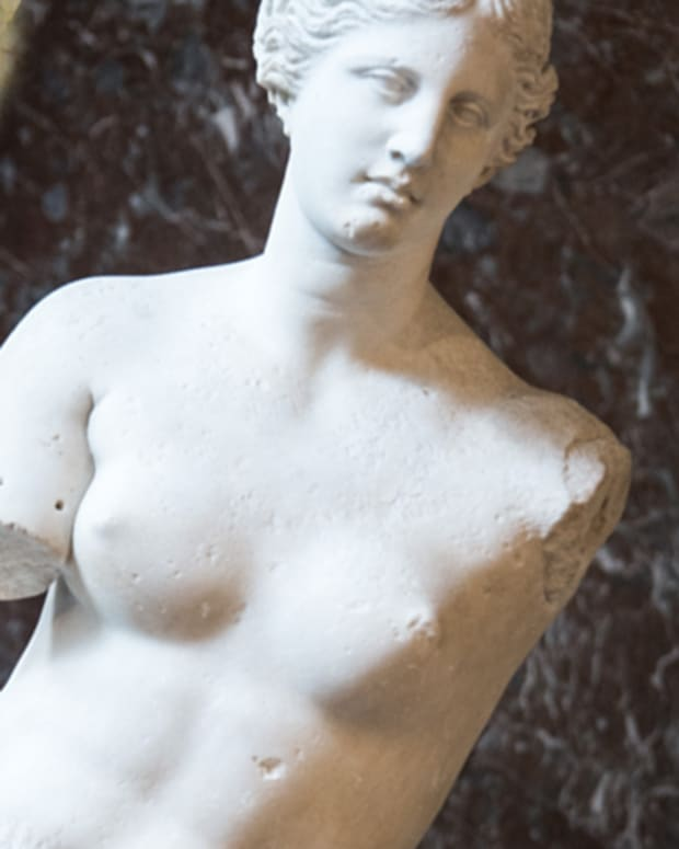 ancient-art-comparison-the-queen-of-the-night-vs-venus-de-milo