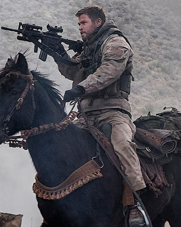 12-strong-movie-review