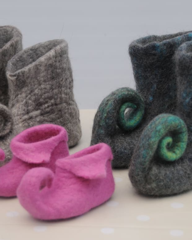 how-to-make-wet-felted-pixie-slippers