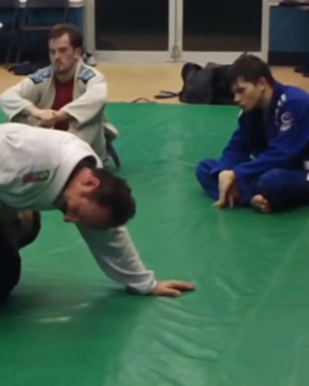 bear-trap-calf-slicer-and-sweep-set-up-for-bjj