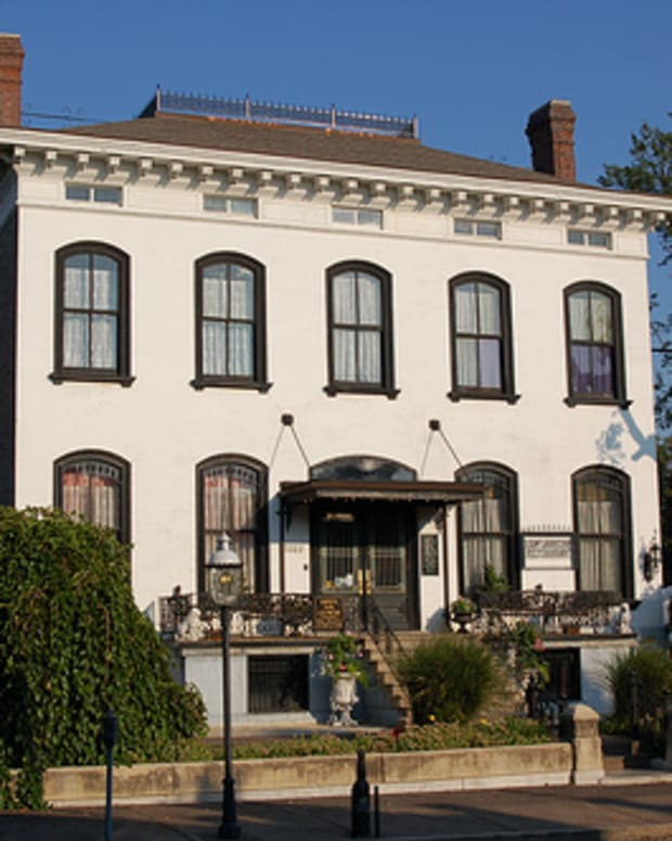 is-the-lemp-mansion-haunted-my-personal-experience