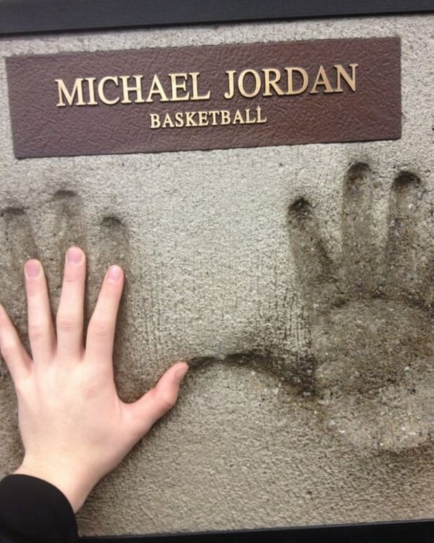 14-nba-players-with-the-most-impressive-hand-sizes