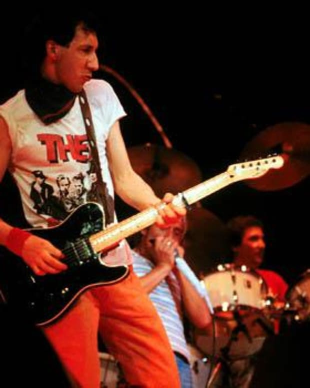 the-great-pete-townshend-and-his-schecter-pt-guitars
