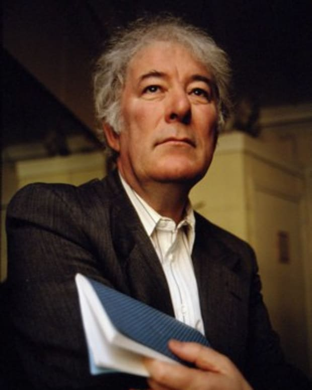 analysis-of-poem-mossbawn-sunlight-by-seamus-heaney