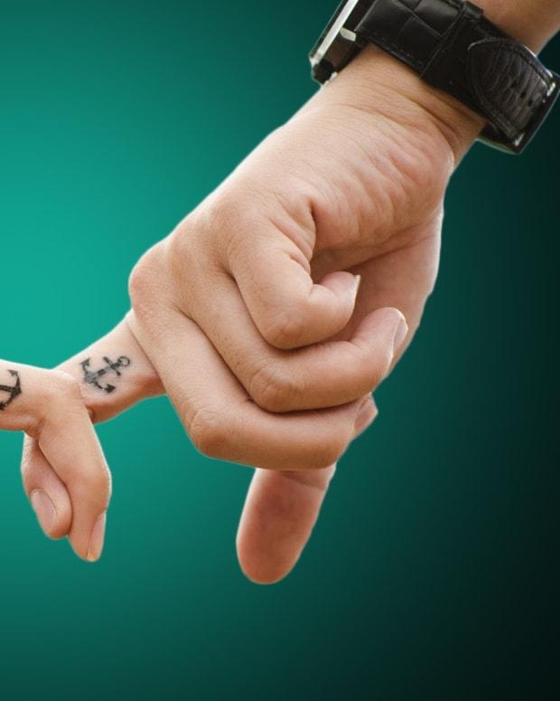 fingertips-on-mine