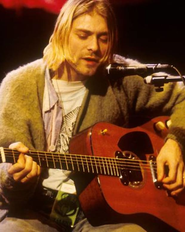 kurt-cobain-and-the-martin-d-18e