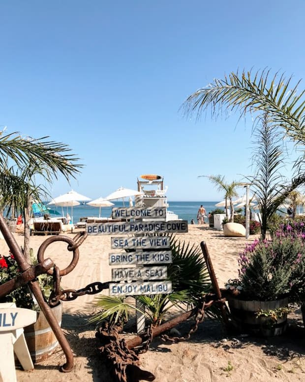 a-visit-to-paradise-cove-beach-cafe
