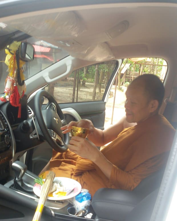 what-is-a-buddhist-car-blessing-like