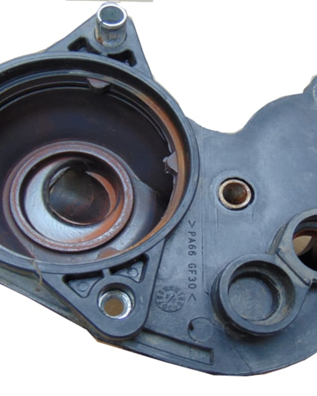 2007-ford-mustang-thermostat-housing-replacement