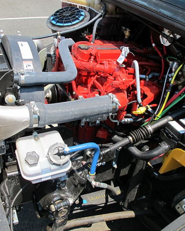 why-my-engine-hesitates-during-acceleration