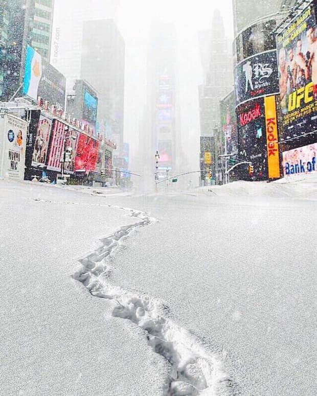 blizzard-in-times-square