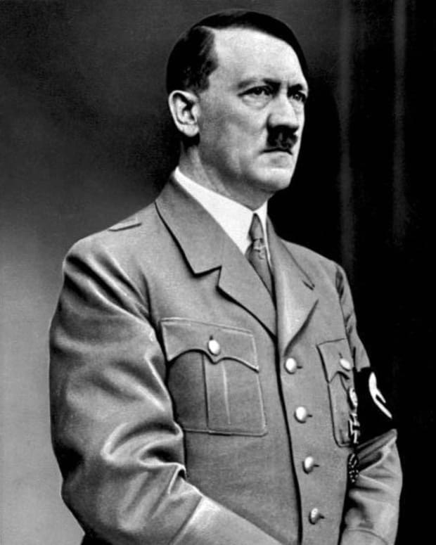 biography-adolf-hitler