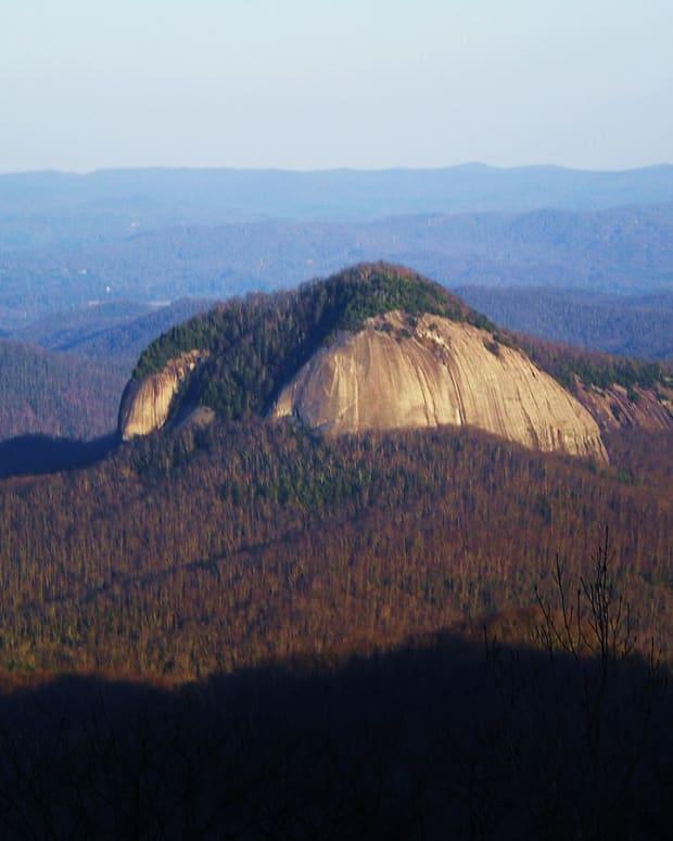 looking-glass-rock-hike-nc
