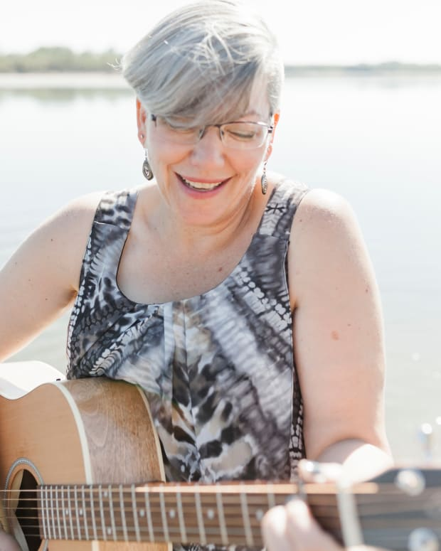 an-interview-with-saskatchewan-singersongwriter-wanda-gronhovd