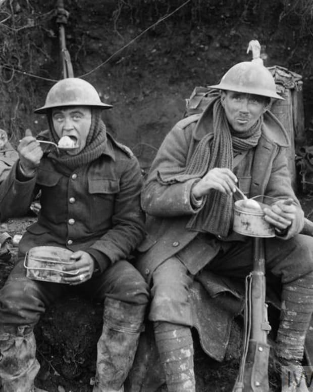feeding-great-war-soldiers