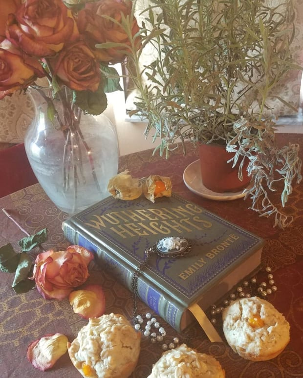 wuthering-heights-book-discussion-and-themed-muffin-recipe