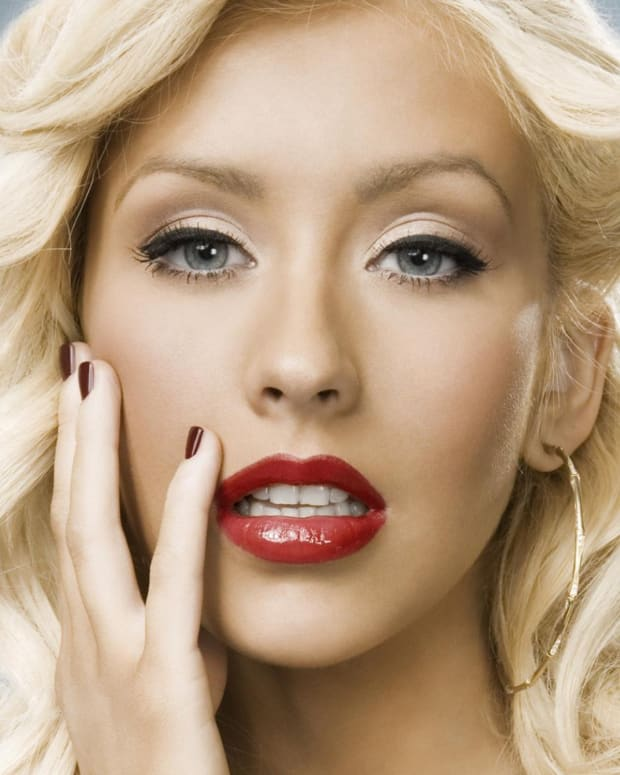 the-style-evolution-of-christina-aguilera