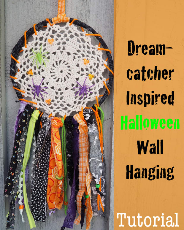 diy-fabric-scrap-craft-tutorial-dreamcatcher-inspired-halloween-wall-hanging