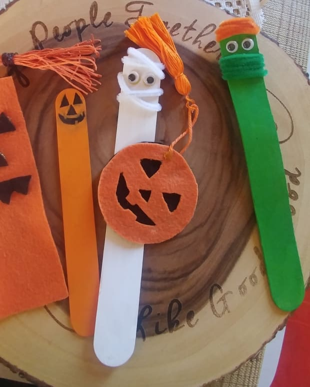 jack-o-lantern-themed-bookmarks
