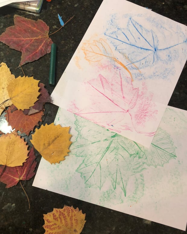 fall-crafts-with-kids-leaf-rubbing