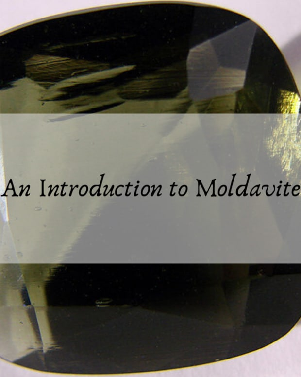 top-5-benefits-of-moldavite