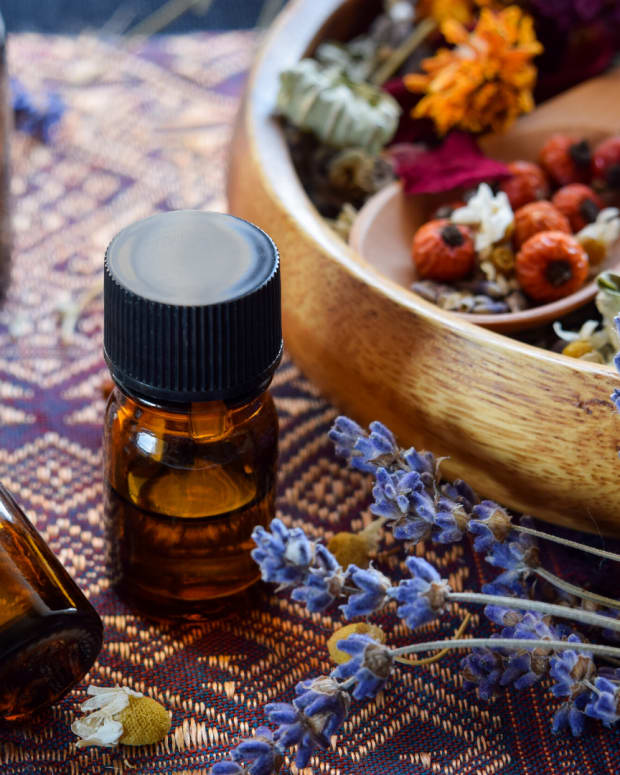 best-essential-oil-blends-to-ease-anxiety-and-fight-depression