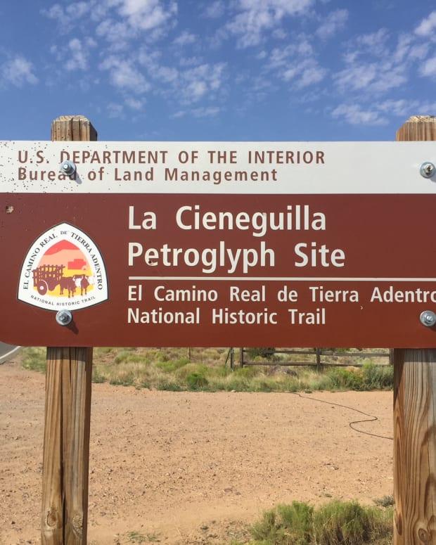 great-hikes-la-cienequilla-petroglyphs-santa-fe-nm