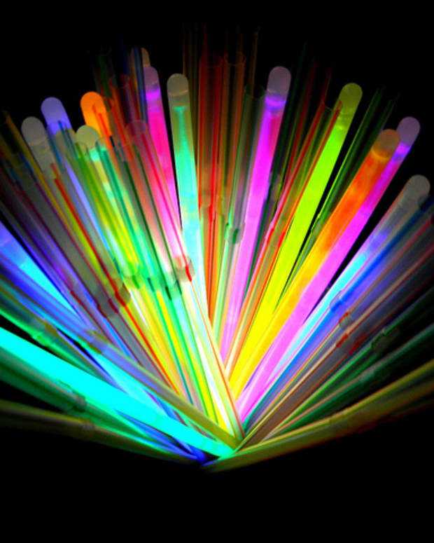 how-do-glow-sticks-work