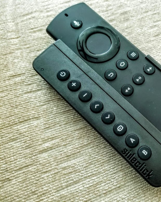 how-sideclick-remotes-attachment-turns-your-amazon-fire-tv-into-a-universal-remote